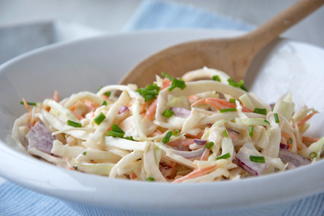 joghurt-salatdressing-mit-schnittlauch.jpg