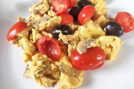 ruhrei-mit-champignons-und-tomaten.jpg
