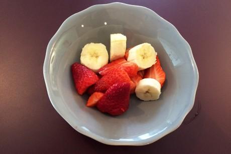 erdbeeren-bananen-schuessel.jpg