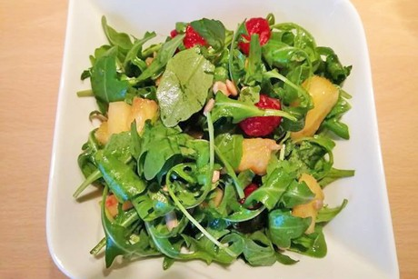 ananas-himbeere-salat.jpg