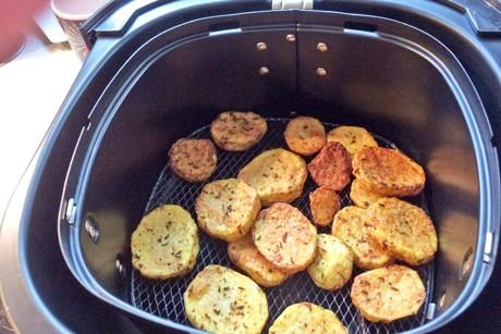 bratkartoffel-aus-der-heissluftfritteuse.jpg