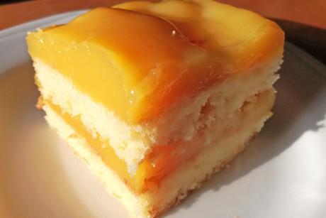 blechkuchen-mit-orangensaft.jpg