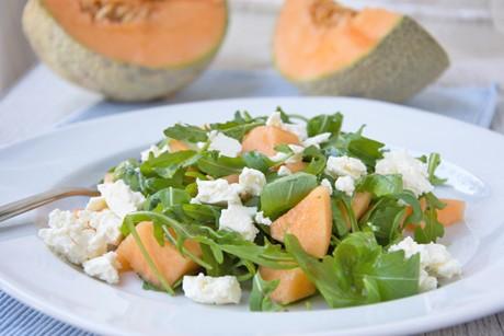 rucola-salat-mit-melone-und-feta.jpg