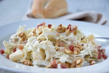 krautsalat-mit-nussen-und-speck.jpg