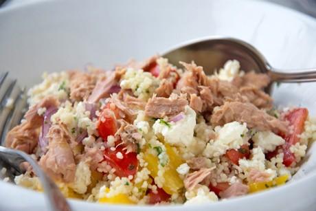 bulgur-salat-mit-thunfisch-und-feta.jpg