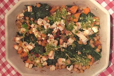 warmer-susskartoffelsalat-mit-feta-kichererbsen-und-blattspinat.png