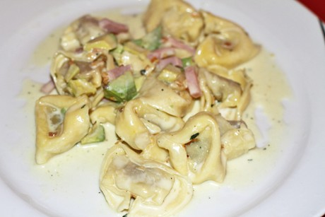 tortellini-in-avocado-kase-sauce.png