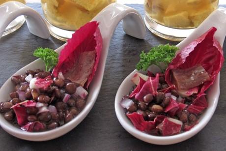 amuse-bouche-linsen-radicchio-salat.jpg