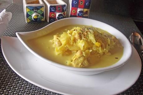 vegane-curry-sauerkrautsuppe-mit-kichererbsen.png