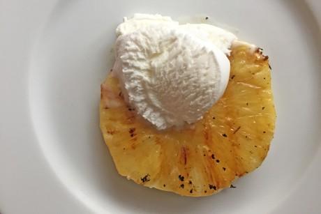 gegrillte-ananas-mit-eis.png