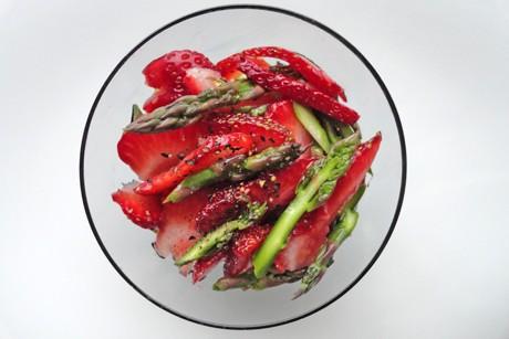 erdbeeren-und-grunspargel.png