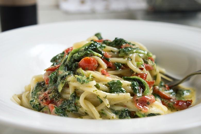 spaghetti-mit-mangold-und-tomaten.jpg