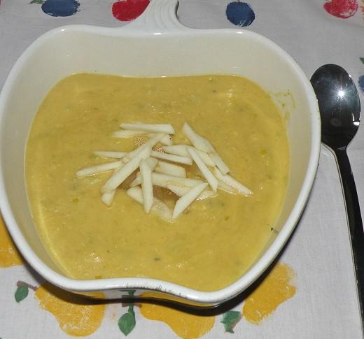 curryrahmsuppe-mit-aepfeln.jpg