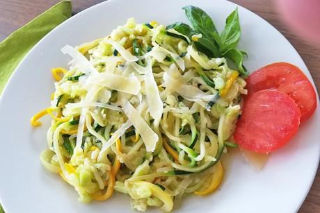zucchininudeln-mit-knoblauch.png