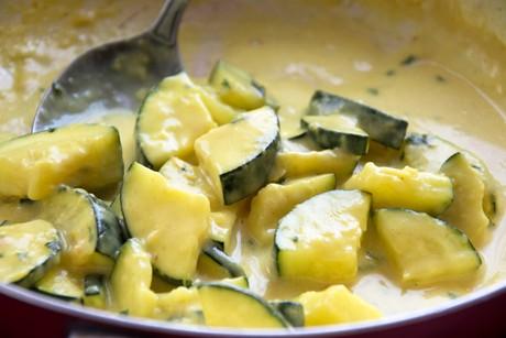 zucchini-curry-gemuese.png