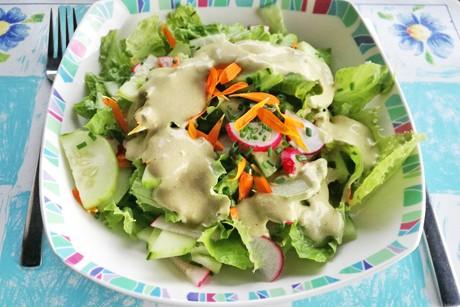 vitaminreicher-hausgarten-salat.png
