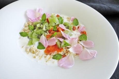 marillen-kiwi-rosenbluten-musli.png