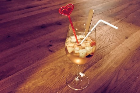 nektarinen-ananas-bowle.png