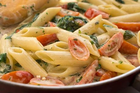 penne-mit-spinat-und-tomaten.png