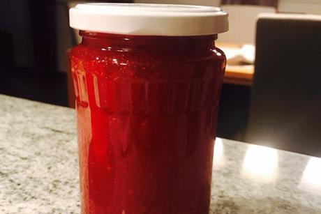 weisse-trauben-zwetschken-marmelade.png