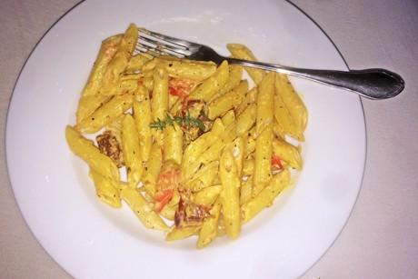 pasta-mit-frischkase-und-tomaten.png