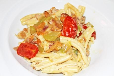 mediterrane-pasta-mit-eierschwammerl-und-brunch-engel.jpg