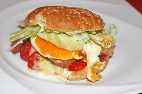 brunch-burger-auf-osterreichisch.jpg