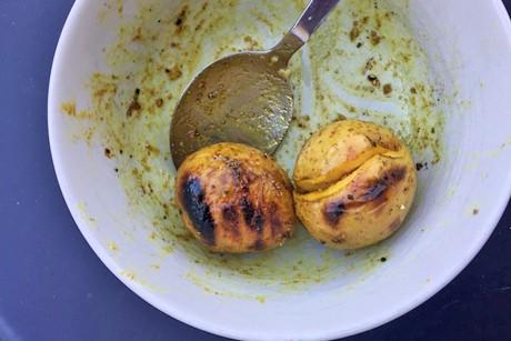 curryerdapfel-vom-grill.jpg