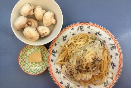 spaghetti-mit-champignons-und-brunch-mit-kurbiskernpesto.png