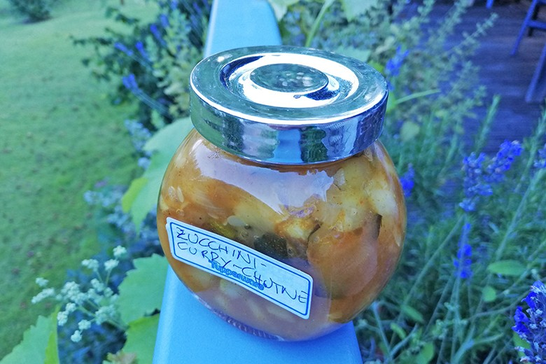 zucchini-curry-chutney.jpg