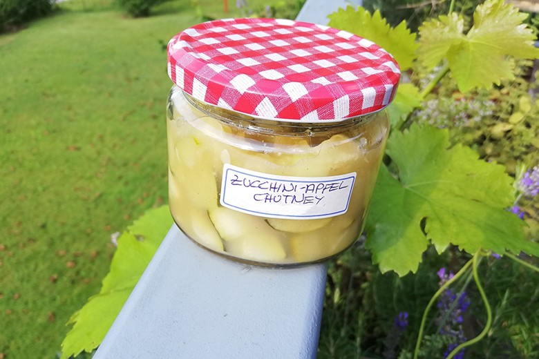 zucchini-apfel-chutney.jpg