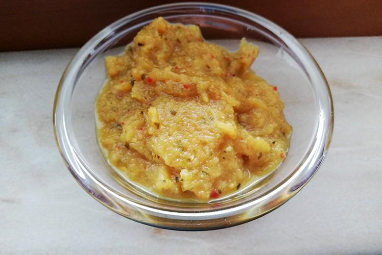 zucchini-chutney-mit-chili.jpg