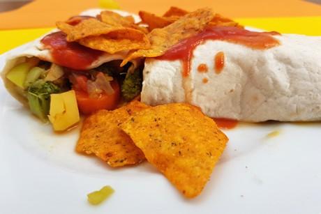 enchiladas-mit-gemuse-und-tortilla-chips.png