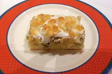 weintraubenkuchen-mit-schneehaube.jpg