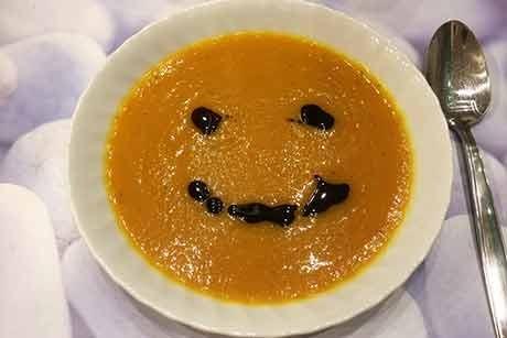 kurbiscreme-suppe-mit-kernol.jpg