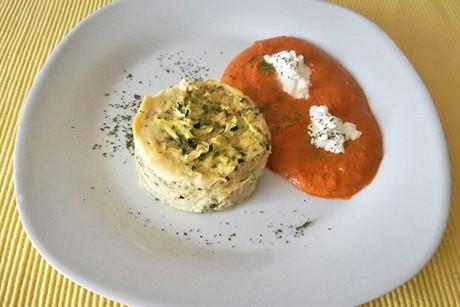 zucchini-souffle-mit-pikanter-sauce.jpg