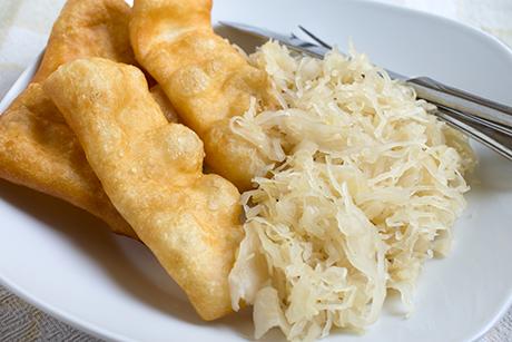 blattl-kiachl-mit-sauerkraut.png