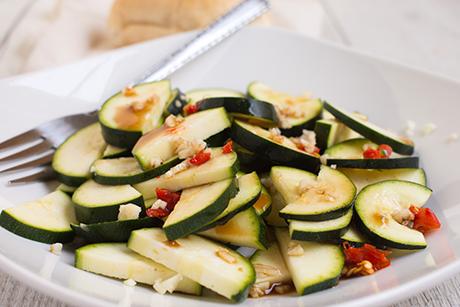 zucchinisalat-mit-knoblauch.png
