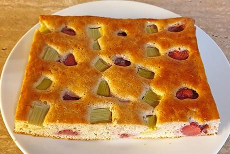 erdbeer-rhabarber-kuchen.png