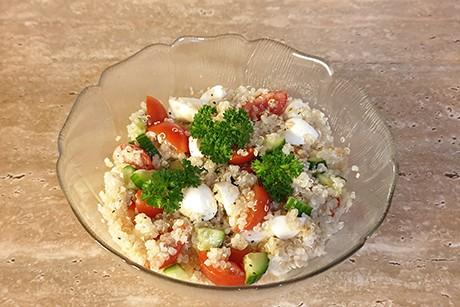 quinoa-tomaten-mozzarella-salat.png