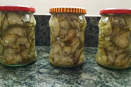 suss-sauer-eingelegter-gurkensalat.jpg