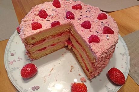 rosa-beeren-torte.jpg