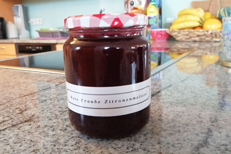 rote-trauben-zitronenmelisse-marmelade.png