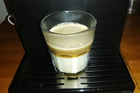 amaretto-espresso-mit-obers.png