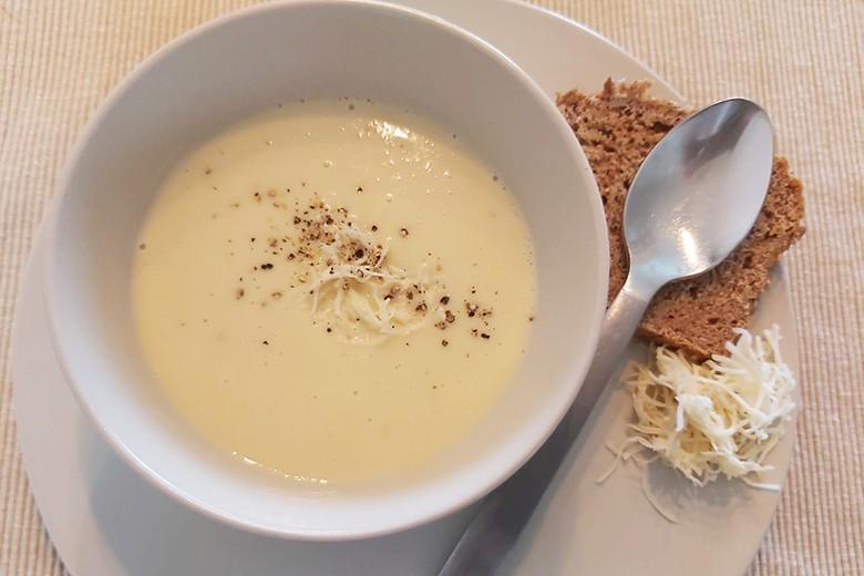 apfel-kohlrabi-kartoffel-suppe.jpg
