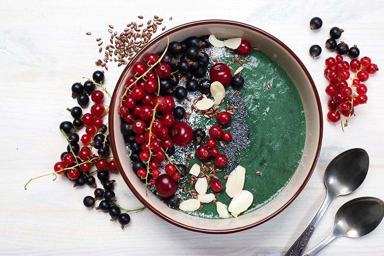 smoothie-bowl-mit-ingwer.jpg