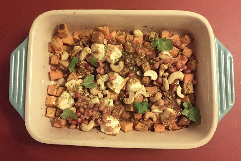 suesskartoffelsalat-mit-feta-cashew-und-granatapfelkerne.jpg