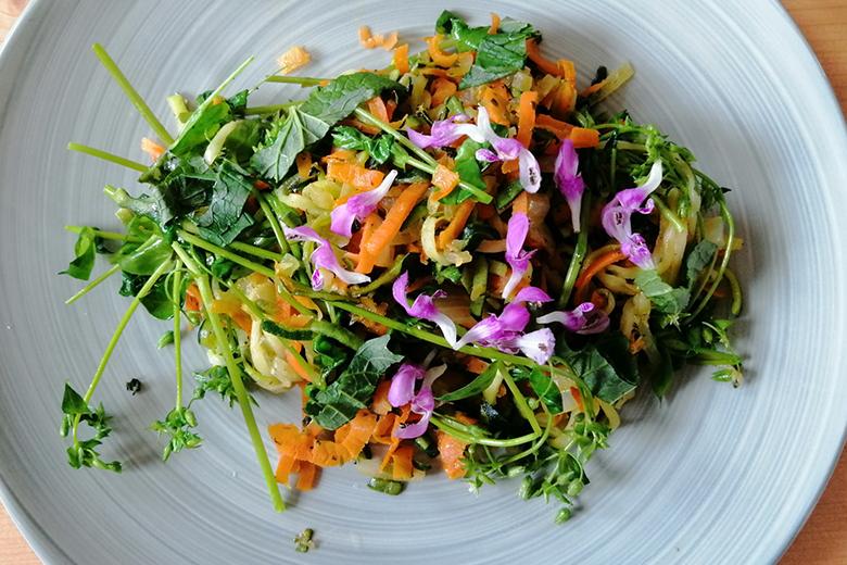 zucchini-mit-vogelmiere-und-knoblauchsrauke.jpg