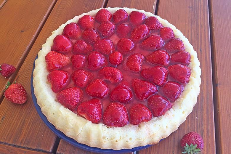 biskuitkuchen-mit-erdbeeren.jpg