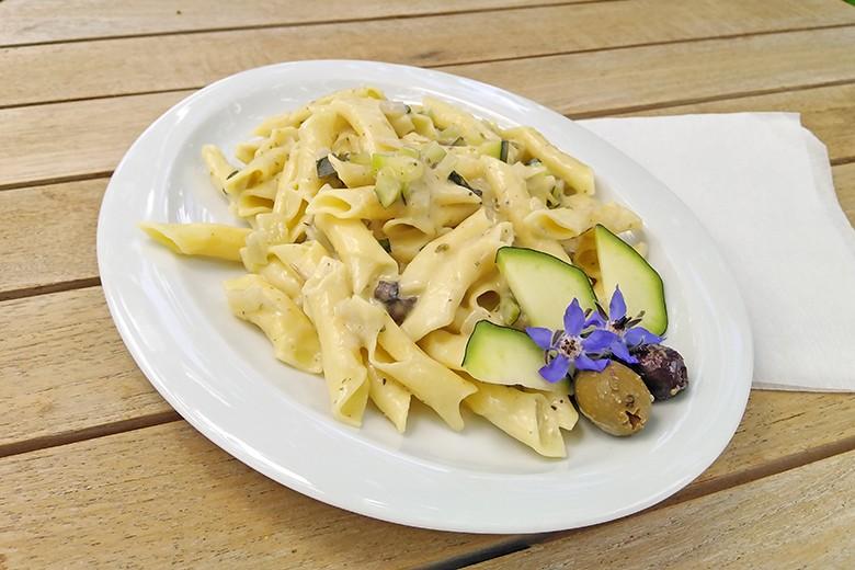 kroatische-fuzi-in-zucchinisauce.jpg